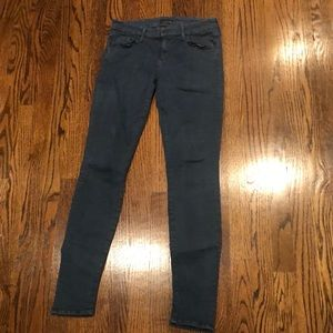 MOTHER The Looker pants in Blue Bayou color